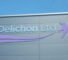 Delichon Stand-off (3)