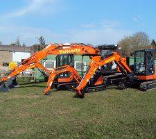 Earlcoate Hitachi excavators (2)